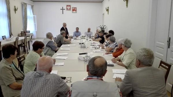 Głos seniorów jeszcze bardziej słyszalny? Trwają prace nad statutem Srebrnej Rady