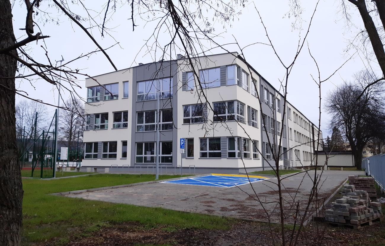 Nowe skrzydło SP numer 2 w Krzeszowicach